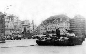 Tour del Comunismo e della Seconda Guerra Mondiale